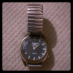 SOLD OUT.                Mens Vintage Seiko5 Watch